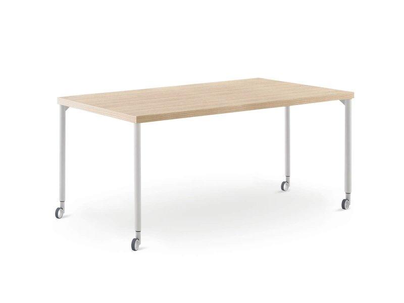 Desk with Move legs